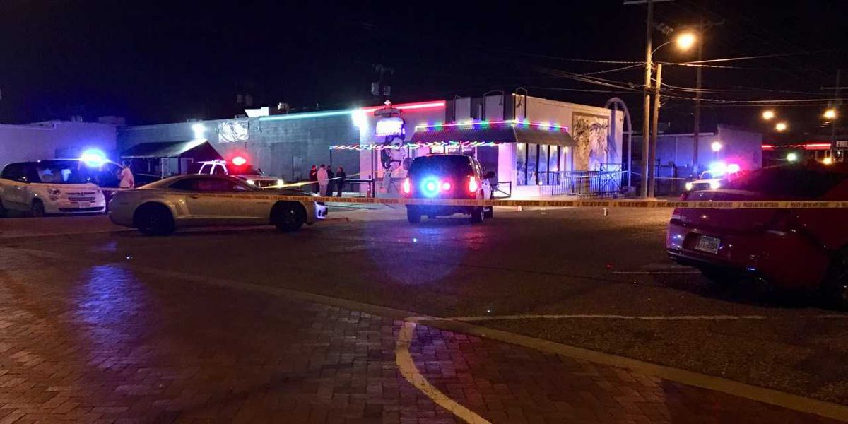 Man's gun discharges outside Lubbock hookah lounge Friday morning