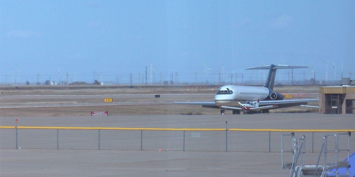 Dallas tornado effects on flights at Rick Husband Intl. Airport