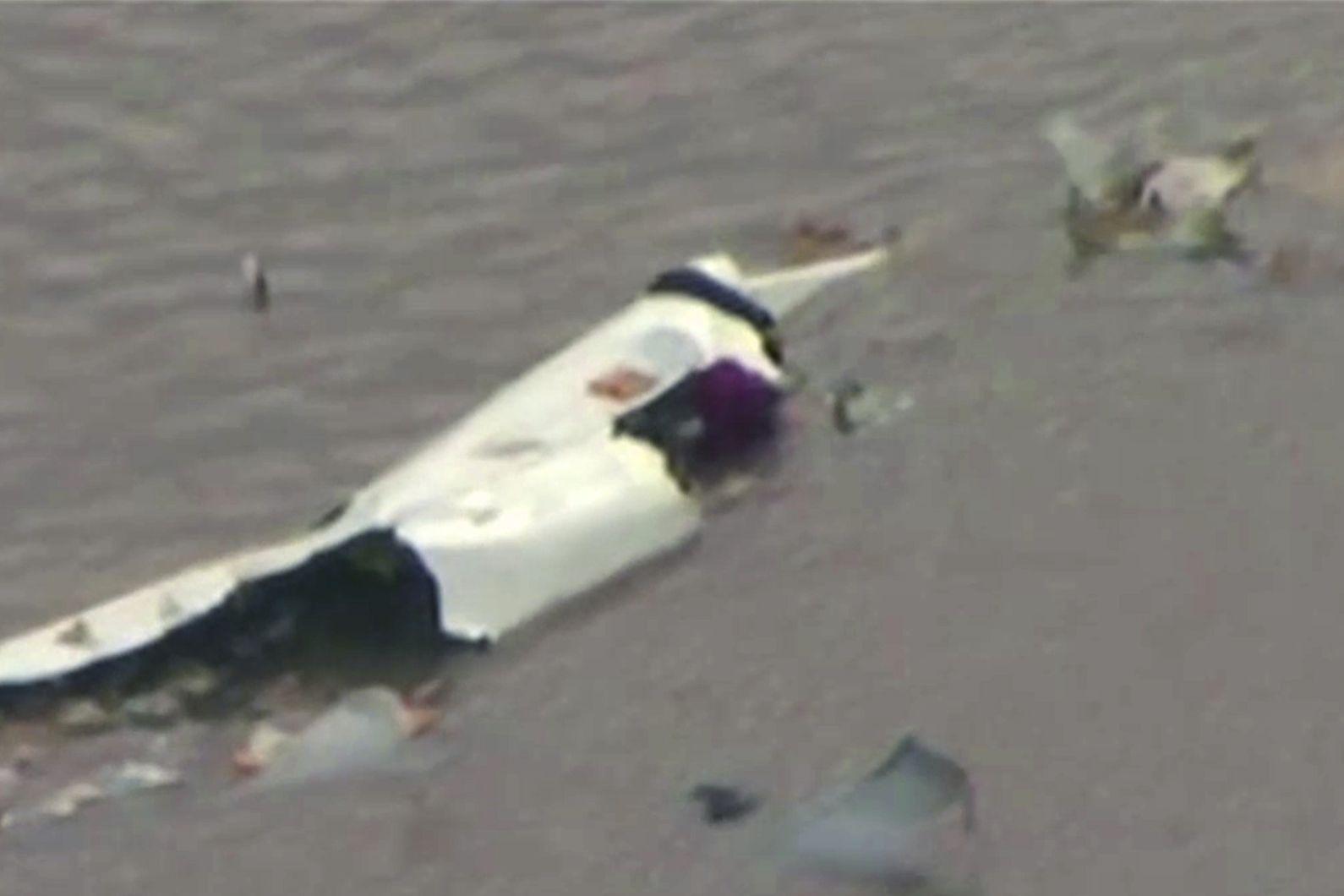 Sheriff: No likely survivors in jetliner crash near Houston