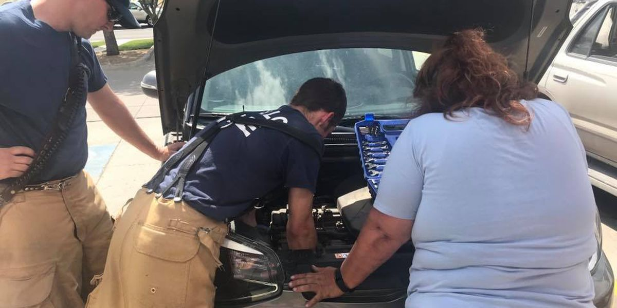 Amarillo fire crew lends helping hand to woman with car trouble