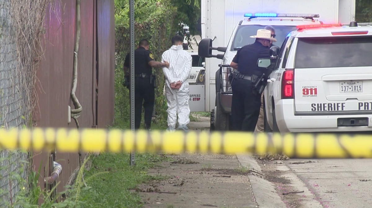 Off Duty Cop Shot By Teen Trying To Steal His Personal