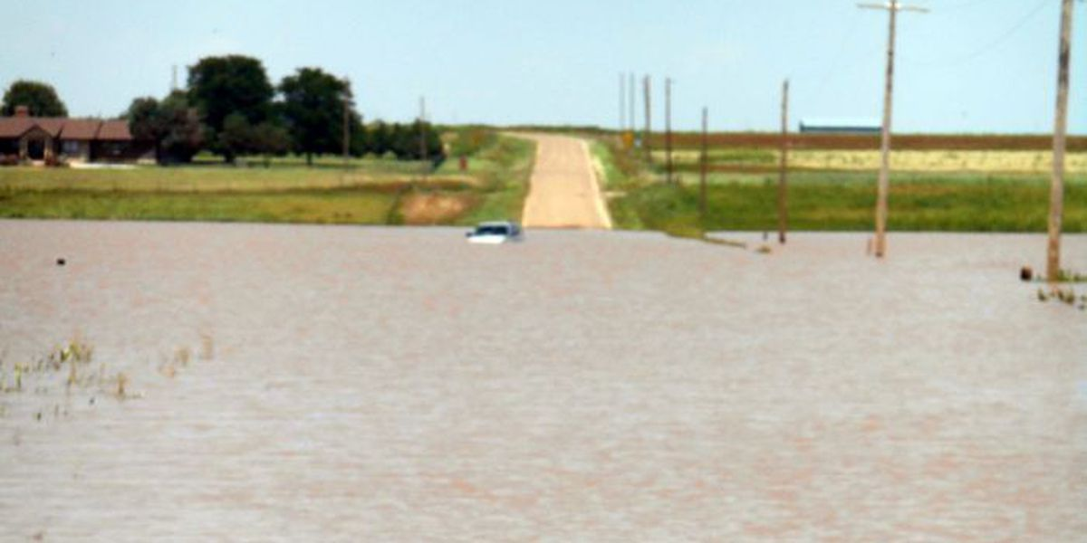 Curry County deputy swims to save couple from flooded vehicle