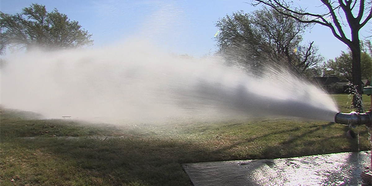 Amarillo Fire Department flushes out hydrants to keep residents safe