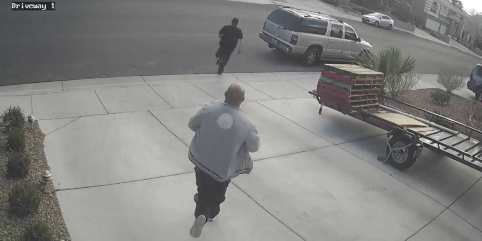 'Wrong house at the wrong time': Former bounty hunter chases away porch pirate