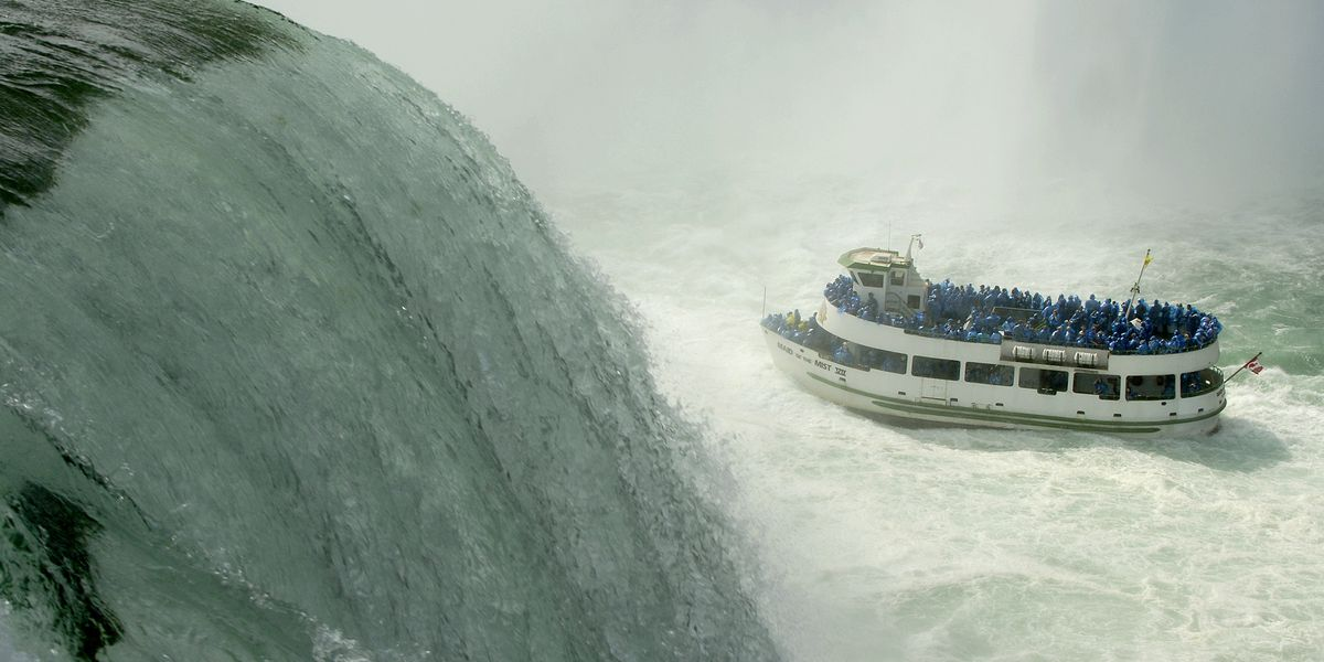 Man survives after being swept over Niagara Falls