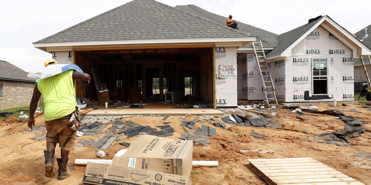 US housing construction jumps 16.9% in December