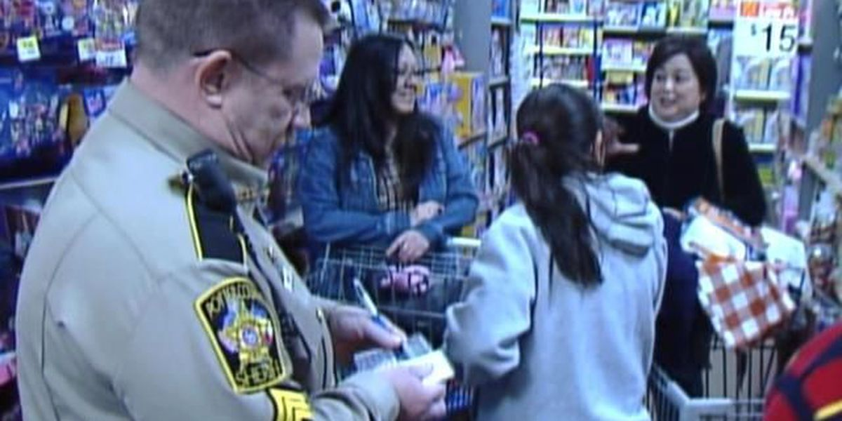 """Shop with Cop"" annual event in Canyon"