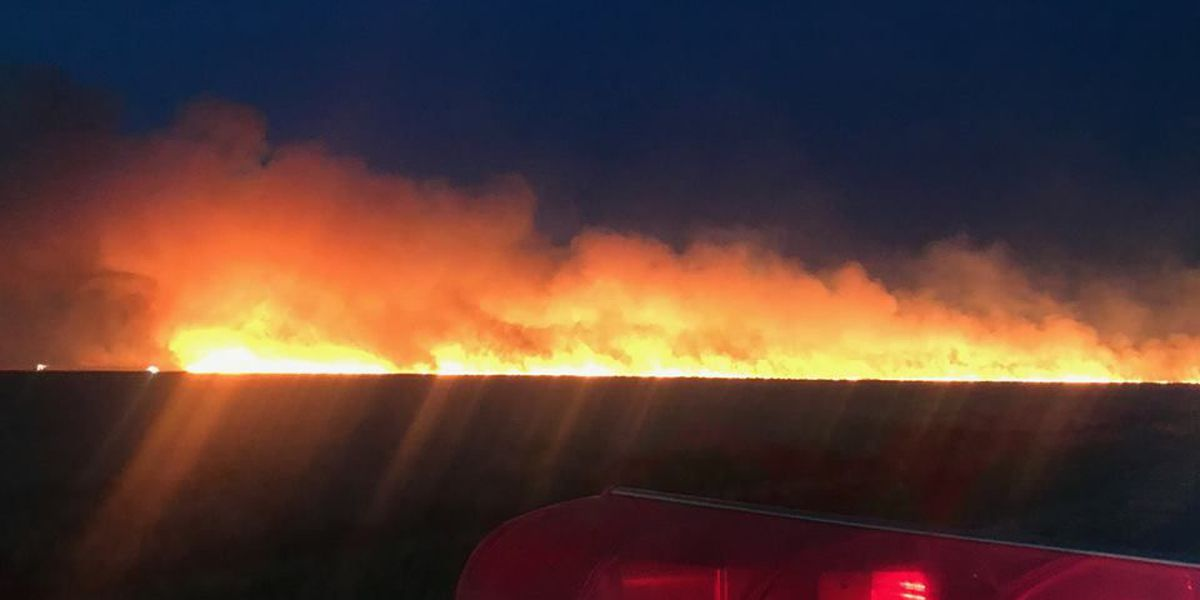 Crews battled grass fire amid high winds in Sherman County