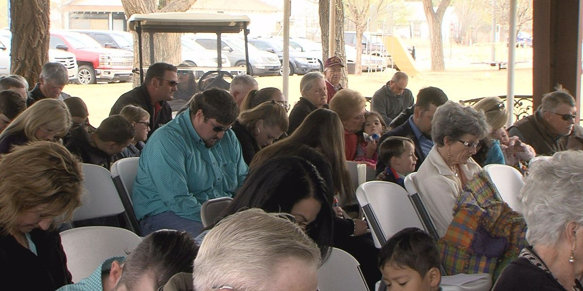 Elida and Kenna churches unite for community Easter service