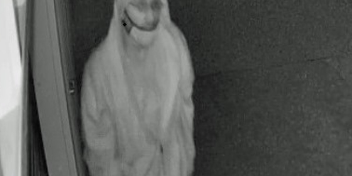 Amarillo police search for man suspected of burglarizing storage units
