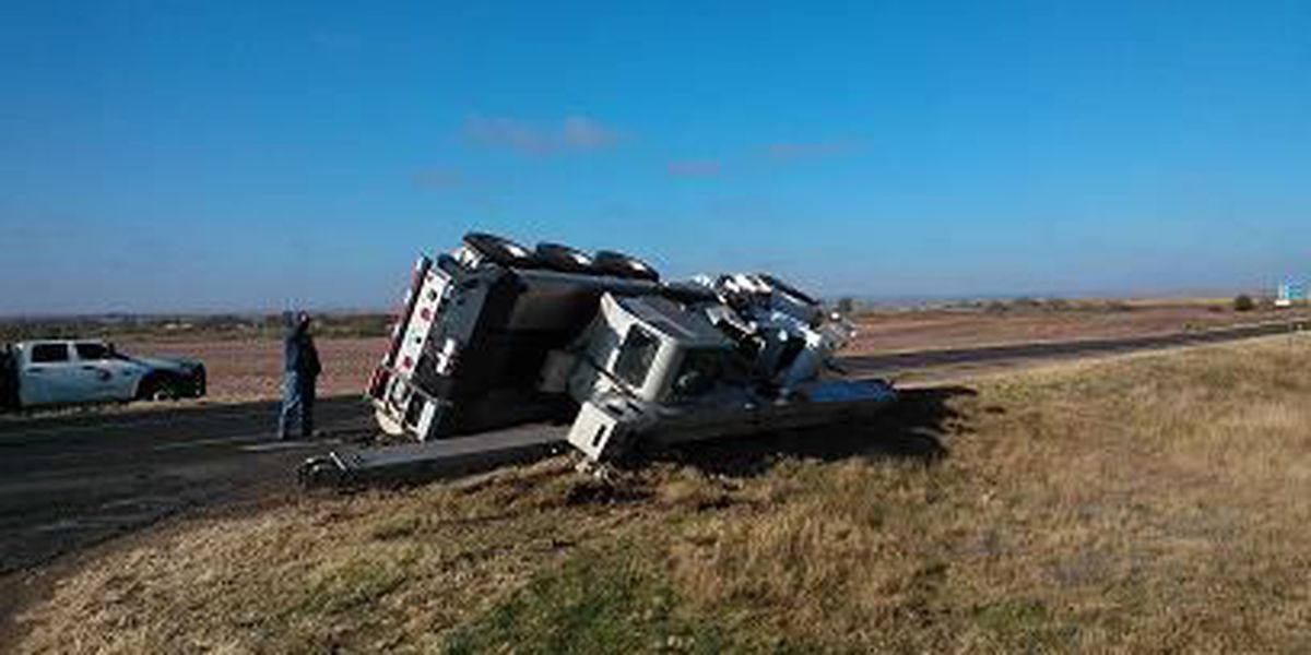 Crane overturns outside Turkey, driver sustains minor injuries