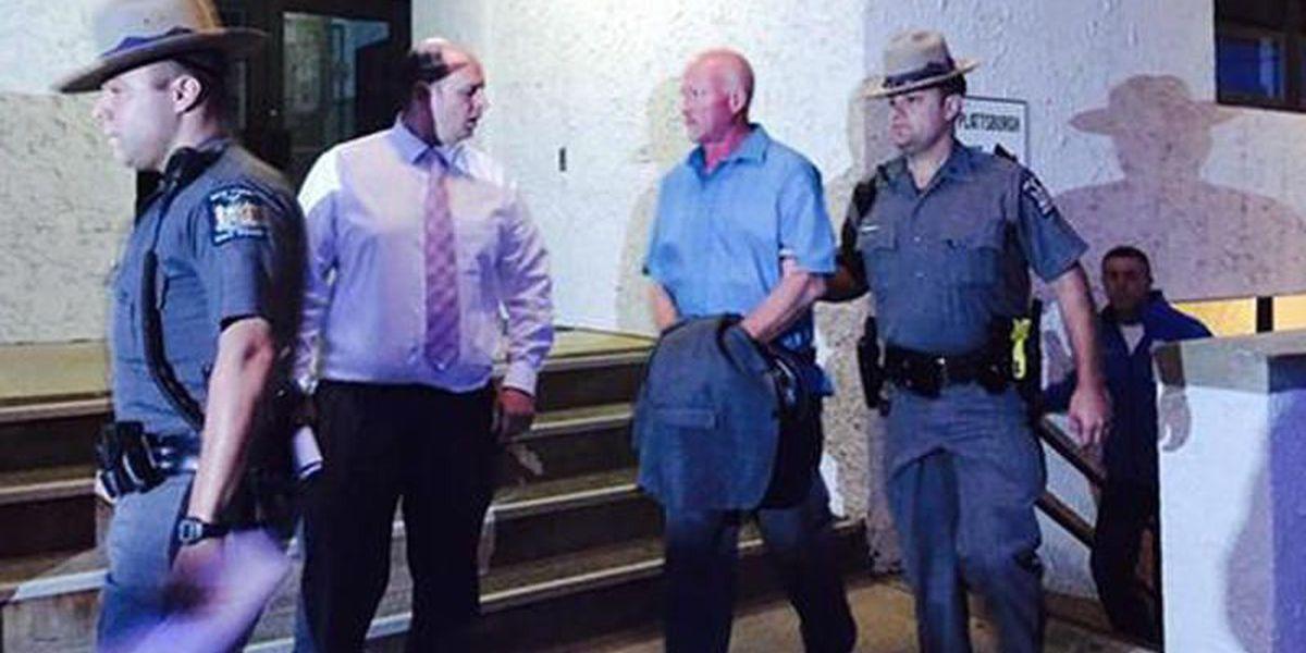 Suspenden a jefe de prisión y 11 más por fuga