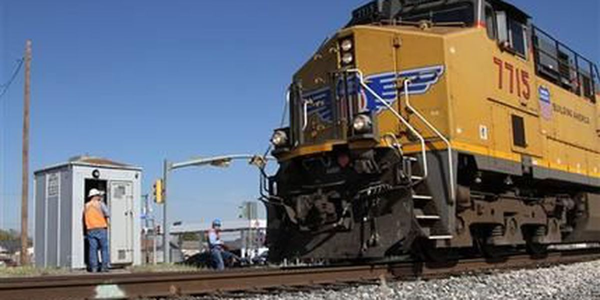 NTSB faults parade plans in fatal train collision