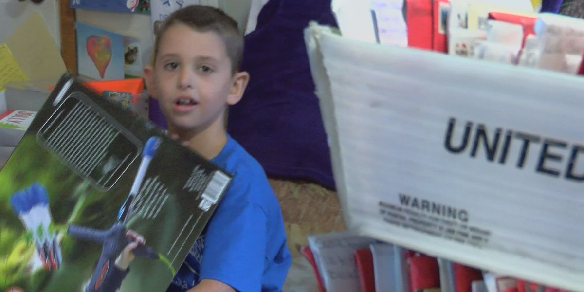 8-year-old who asked for exactly 190 cards for Christmas gets thousands
